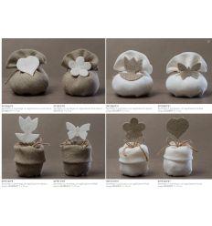 Sacchetto in juta beige con risvolto con applicazione farfalla bianca (091511-F)