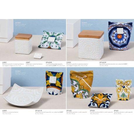 Portaconfetti cuscinetto in cotone stampato in varie decorazioni con calamita in ceramica bianca linea Positano (091623-B)