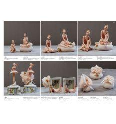ballerina grande in poliresina con sacchetto di retina e fiorellini (A1403-A)