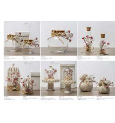 Alzatina grande con cupoletta in vetro e base in ceramica binaca decorata con fiorellini e sacchetto juta (P6632-A)