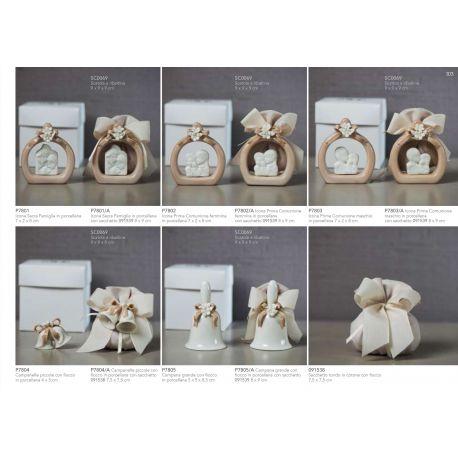 Icona Sacra Famiglia in porcellana tortora con fiocco e fiorellini con sacchettino in cotone linea Ribbon (P7801-A)